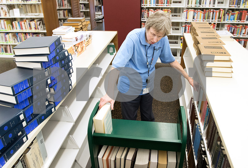 dcnews_083016_Library_Work_05