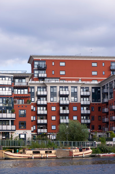 Charter Quay residential development overlooking Thames River, Kingston upon Thames, Surrey, United KIngdom