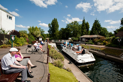 Summer activities and passing through Marlow Lock on the River Thames, Buckinghamshire, England, United Kingdom