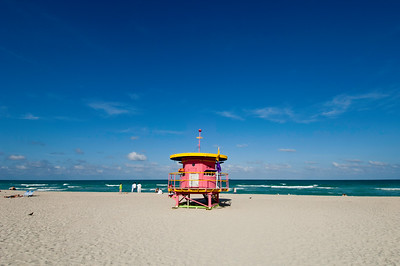 People on a sunny beach relaxing, South Beach, Miami, Florida, USA