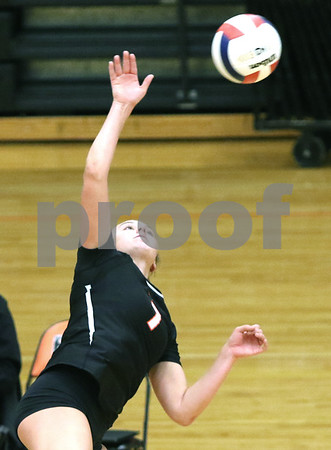 dc.sports.0910.dekalb sycamore volleyball03