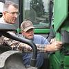 dc.0912.Farmer Check-in07