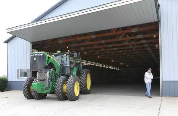 dc.0912.Farmer Check-in01