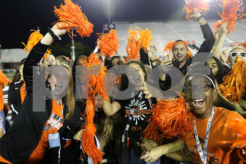 dc.sports.0915.dekalb sycamore football03