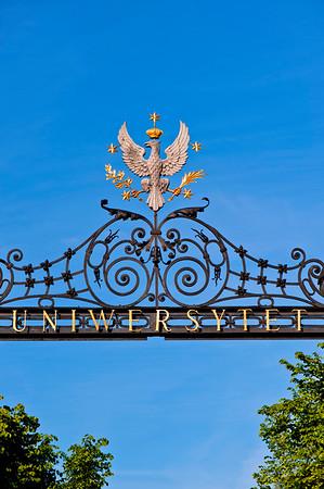 Poland's crest Royal Eagle above entrance to Warsaw University, Warsaw, Poland