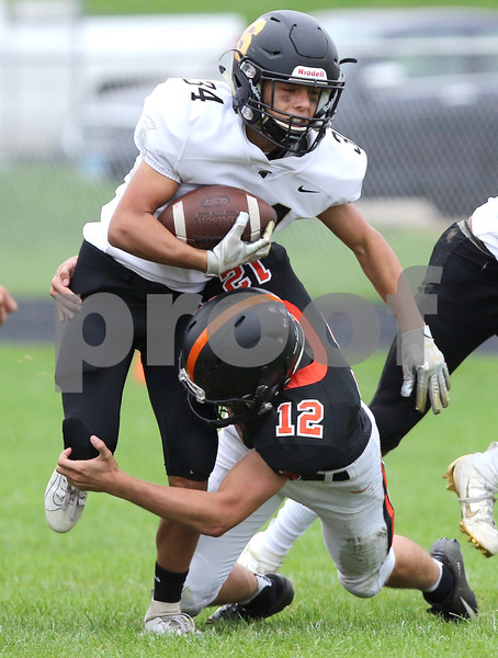 dc.spts.0930.sycamore sandwich football14