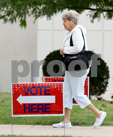 dnews_0929_Early_Voters_10