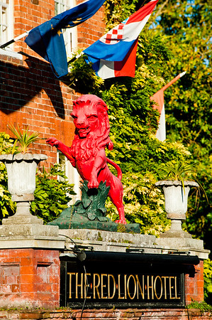 Red Lion pub, Henley on Thames, Oxfordshire, United Kingdom
