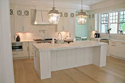 PB_kitchen, white_kitchen island, island_sink, large_kitchen,