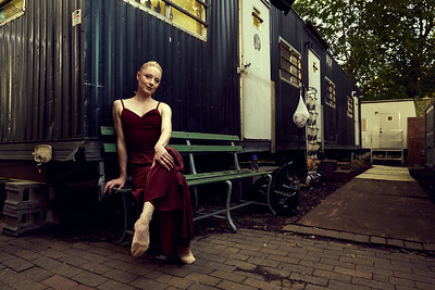 Editorial Portrait of Kateryna Sellers of the Louisville Ballet by Louis Tinsley