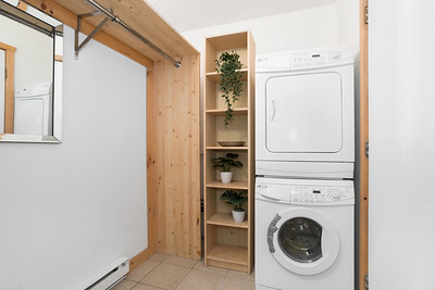 W1 Entry Laundry