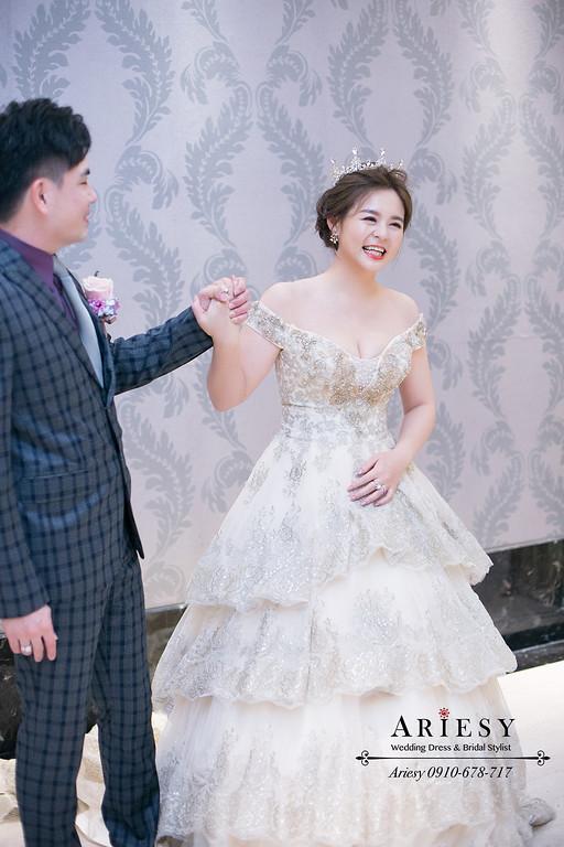 新娘秘書,台中新秘,皇冠新娘髮型,蓬鬆編髮,進場造型,愛瑞思,ariesy