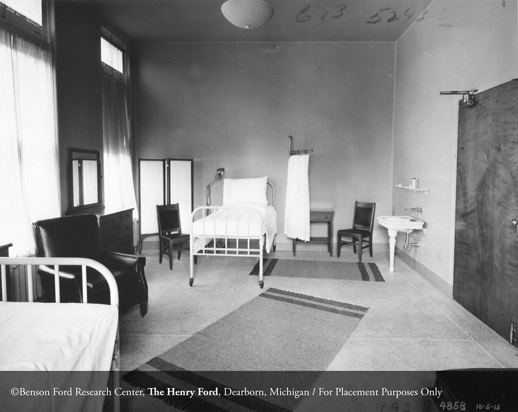 Henry Ford Hospital first patient 'the M-Unit' building, 1915. From the Conrad R. Lam Collection, Henry Ford Health System. ID=01-009