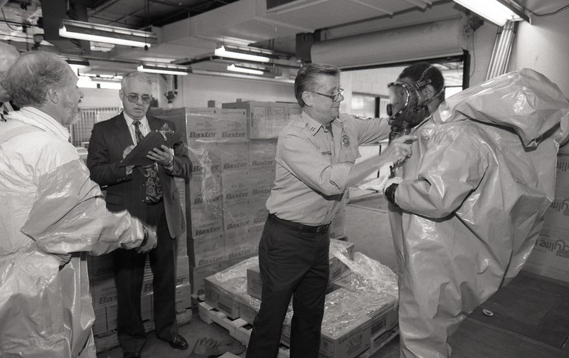 101494_274<br /> DISASTER DRILL IN THE EMERGENCY ROOM, 1995