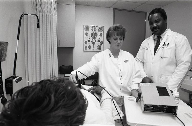 101494_694<br /> DR. BURKS (UROLOGY) W/ NURSE AND PATIENT-COLLABORATIVE PRACTICE, 1997