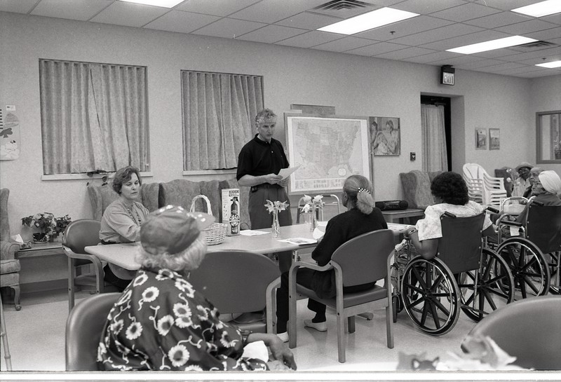 101494_738<br /> PATIENT EDUCATION CLASS/LECTURE FOR SENIORS WITH CAROL TOTZKAY, CENTER FOR SENIOR INDEPENDENCE, 1997