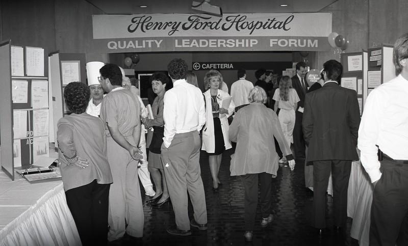 101494_101<br /> QUALITY LEADERSHIP MEETING, 1994
