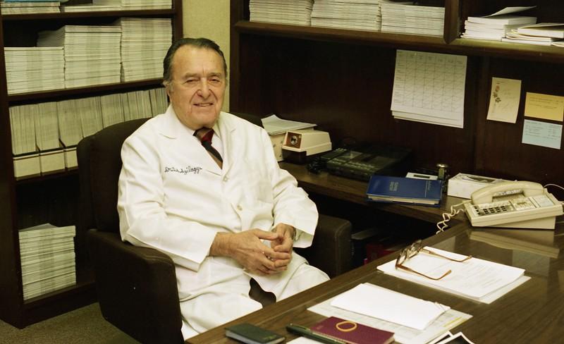 101494_154<br /> VASCULAR SURGERY: DR. D. SZILAGYI, 1994