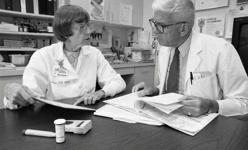 101494_338<br /> Dr. Fred and Iris Whitehouse, 1995