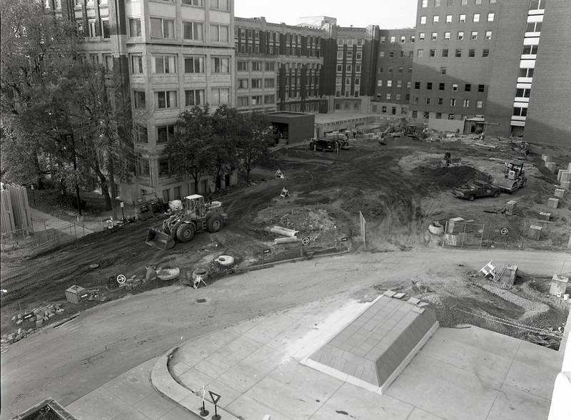101494_652<br /> EAST ENTRANCE CONSTRUCTION, 1995