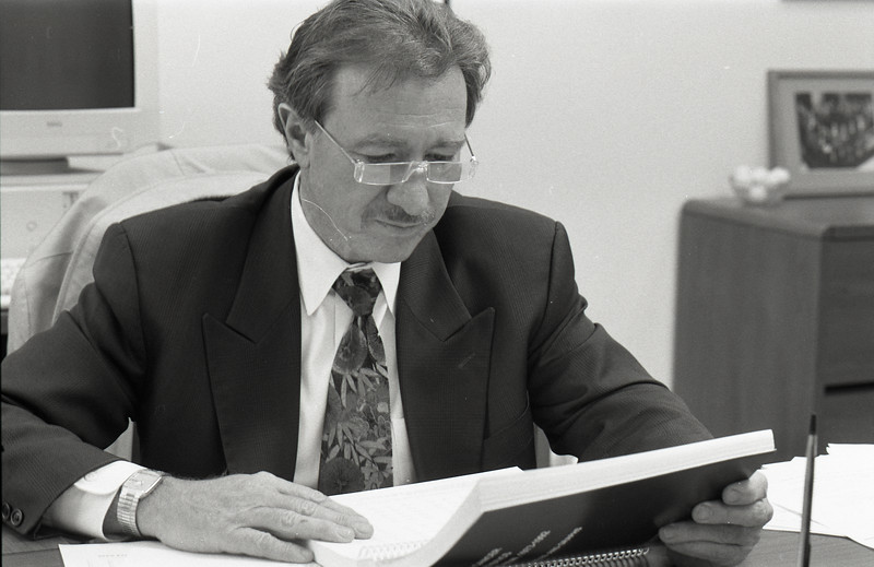 101494_674<br /> DR. RAYMOND DEMERS, OFP: JOSEPHINE FORD CANCER CTR, 1996