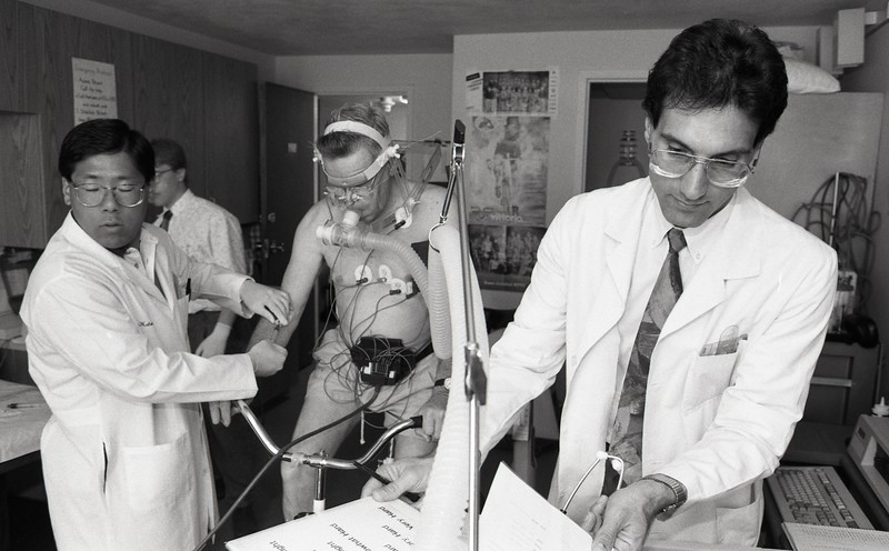 101494_079<br /> WORKING PHOTO OF DR. KETEYIAN, 1994