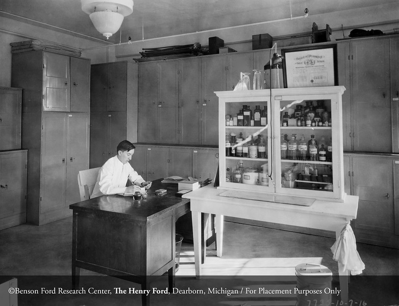 Henry Ford Hospital Pharmacy, October 7, 1916. From the Conrad R. Lam Collection, Henry Ford Health System. ID=02-028
