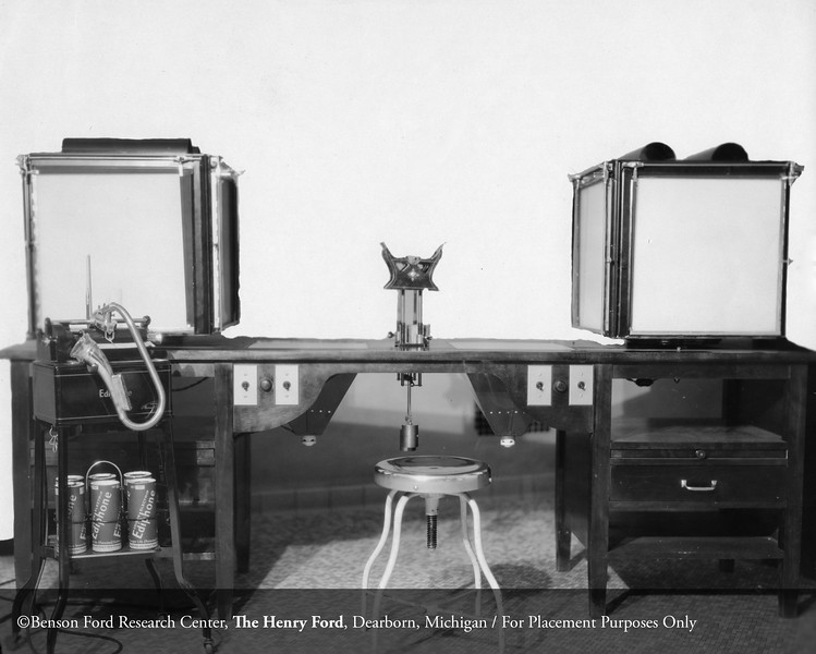 The early electrocardiogram machine at Henry Ford Hospital, c.1920. From the Conrad R. Lam Collection, Henry Ford Health System. ID=02-023