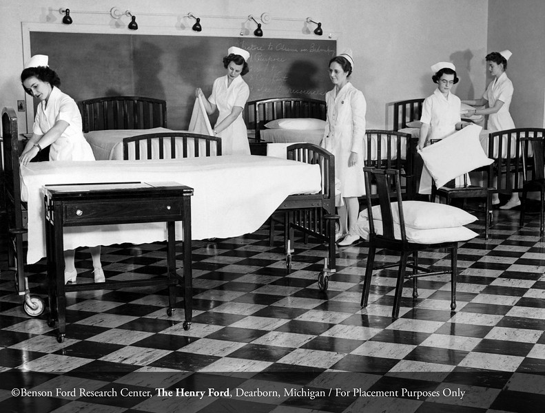 Cleo Stewart, R.N. instructing Henry Ford Hospital School of Nursing and Hygiene students in 1945. From the Collections of The Henry Ford: Acc. 833, Box 18, P833.82862.17
