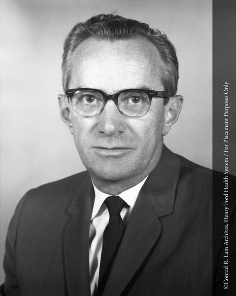 Dr. Edward Quinn of the Department of Infectious Disease, c.1950. From the Conrad R. Lam Collection, Henry Ford Health System. ID=04-035