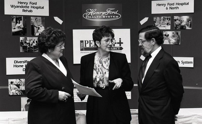 101494_377<br />  DOTTIE DEREMO (center), AND KEN STANTON, Nurse Conference, 1995