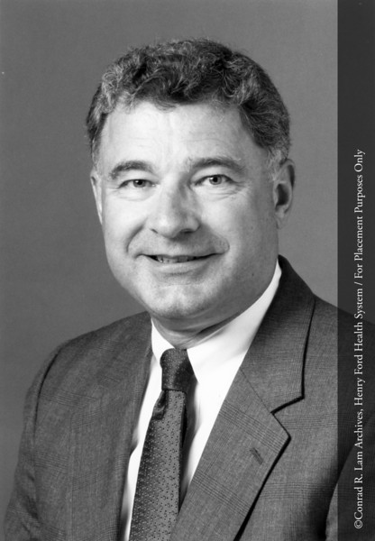 Dr. Kenneth Greenawald of the Department of Pathology, c.1990. From the Conrad R. Lam Collection, Henry Ford Health System. ID=08-032