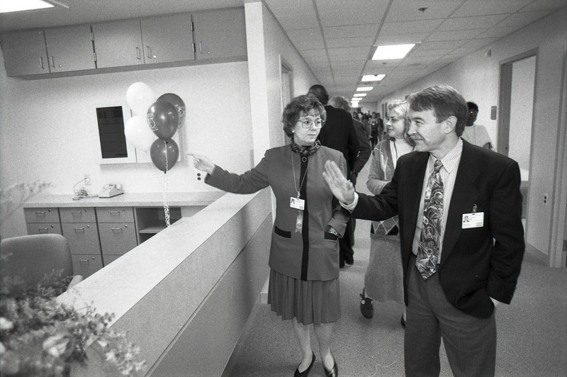 101494_672<br /> GRAND OPENING OF NEW WING AT KINGSWOOD, BROOKS, DR. ED COFFEE, KATHY EMRICH, 1996