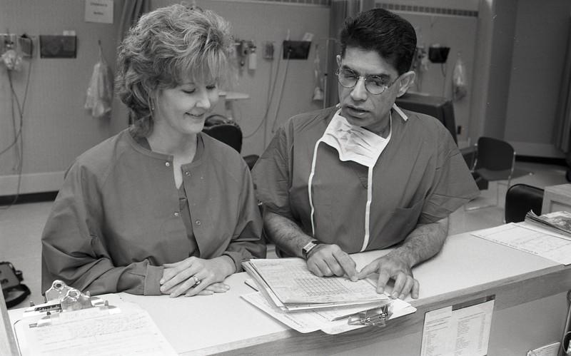 101494_461<br /> DR. IMRAN AND NANCY ZEHOPFENNIG R.N. IN AMBULATORY SURGERY, LAKESIDE 1996