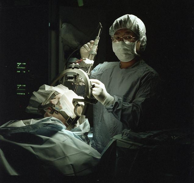 101494B_609<br /> DR. JUNN IN NEUROSURGERY O.R. 1997