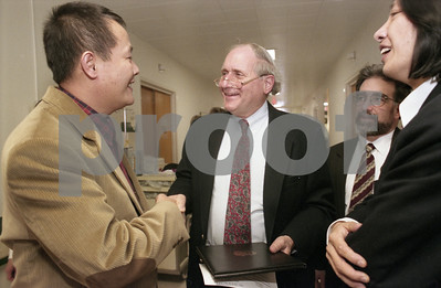 101494B_006 JINGSHENG WEI W/ SENATOR CARL LEVIN AND STEVE VELICK, 1997