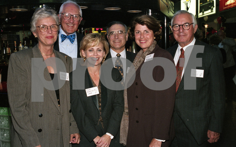 101494_367 Robert and Nancy Vlasic, Dr. Mark and Pam Rosenblum, Brigitte and Mort Harris___  SHOOT FOR A CURE, Palace oif Auburn Hills, 1995