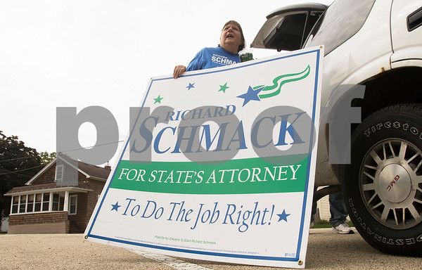dnews_1004_Schmack_Campaigning_04