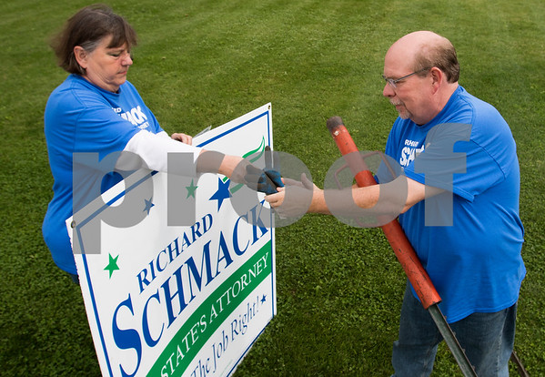 dnews_1004_Schmack_Campaigning_01