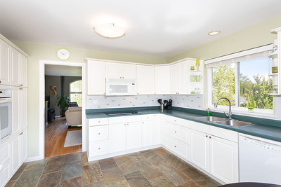 1010 Kitchen 2