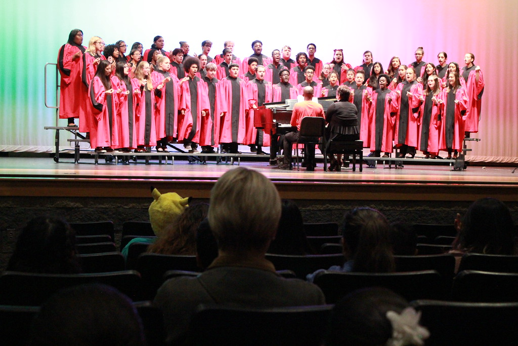 . Tawana Roberts � The News-Herald <br> Harvey High School Concert Choir performs at Hispanic Heritage Night on Oct. 11.