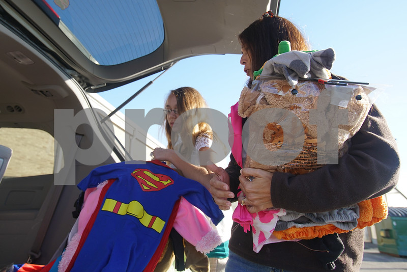 dcnews_fri_1013_Halloween_Costume_Club