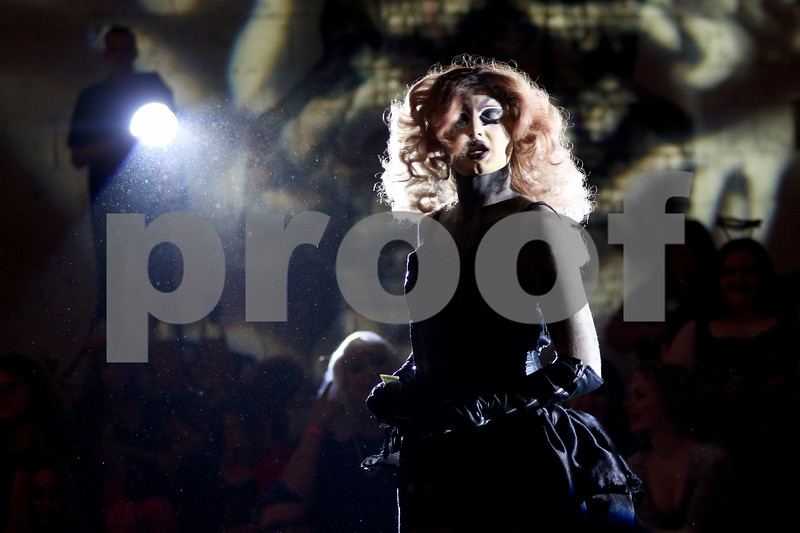 dnews_1013_Drag_Show_08