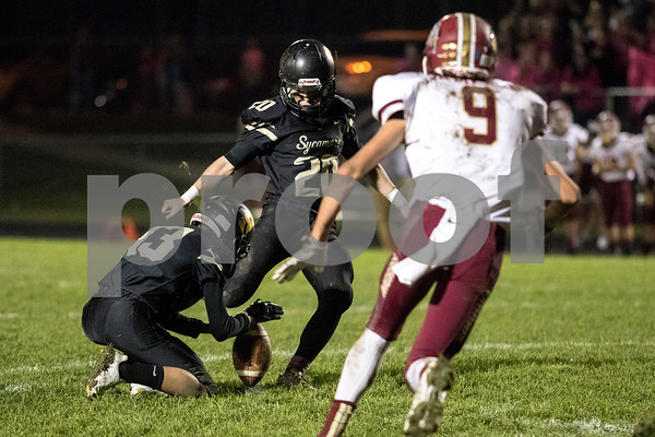 Sam Buckner for Shaw Media.<br /> Justin Berlinsk kicks a field goal against Morris on Friday October 13, 2017 scoring the only points in the first half.