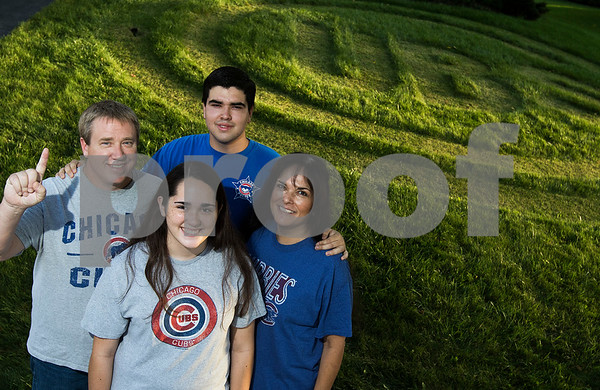 dnews_1017_Cubs_Lawn_02