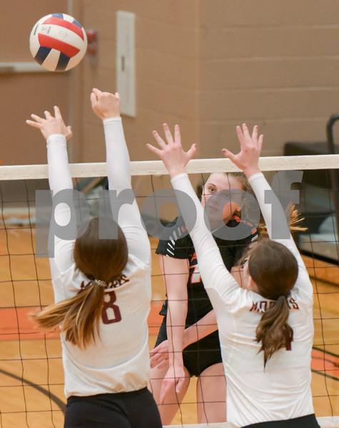 dc.sports.1019.dekalb volleyball04