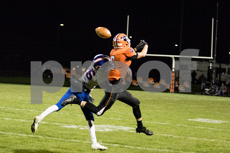 Sam Buckner for Shaw Media.<br /> Rhett Kline deflects a pass to Byron's wide reciever on Friday October 18, 2019.