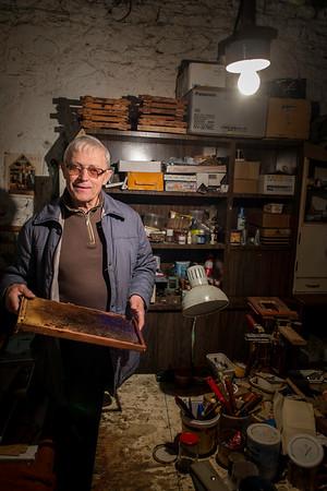 Tata w swoim warsztacie pszczelnym, Osiny, Poland