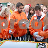 dc.1024.pumpkin cake cutting05