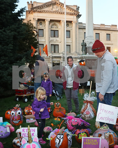 dnews_1025_Pumpkin_Fest_02